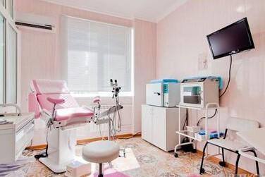Врачебный кабинет для исследования организма женщины